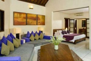 Идея совмещения зоны отдыха и принятия гостей небольшой спальни