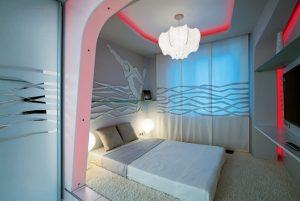 Оригинальное оформление спальни 9 кв меторов