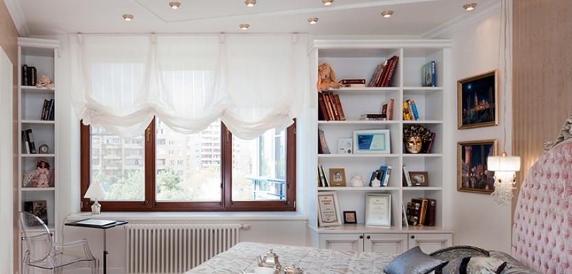 Воздушный шторки на окно со скрытым карнизом