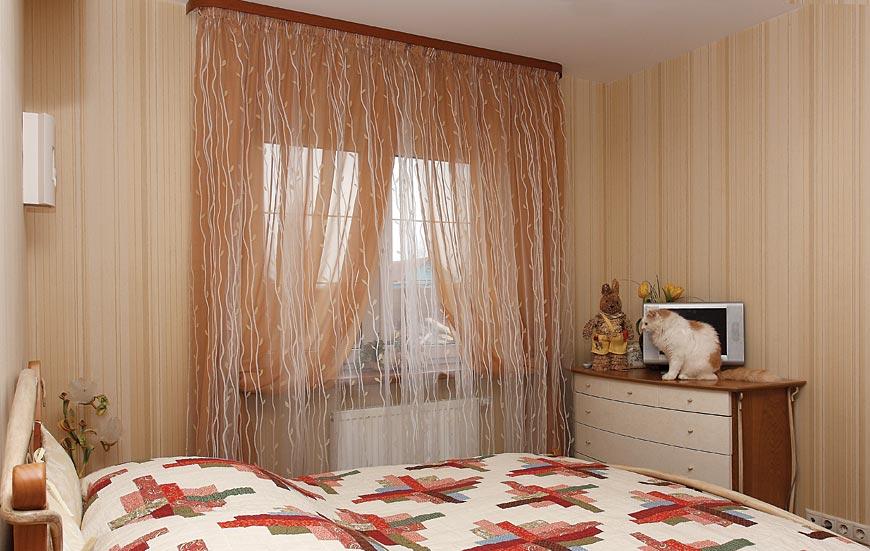 Легкие шторы в спальню
