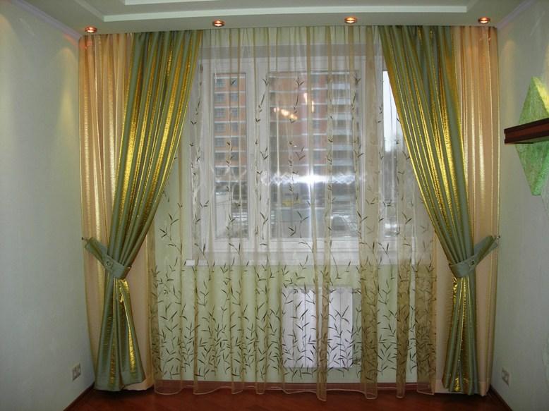 Занавески с подсветкой в спальне
