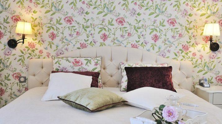 Спальня с обоями в стиле Прованс