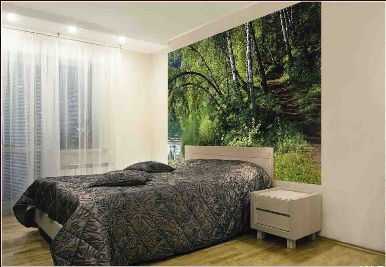 Лесной пейзаж в интерьере спальни