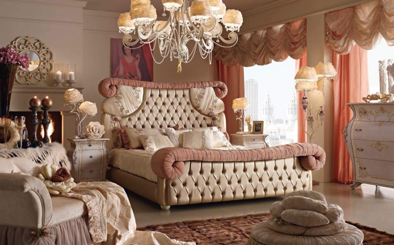Мебельный гарнитур с кроватью и тумбочками