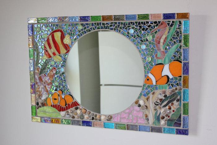 Мозаика из кусочков плитки
