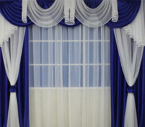 Синие шторы с белыми вставками
