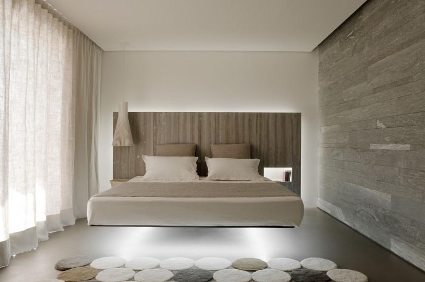 Кровать с нижней подсветкой