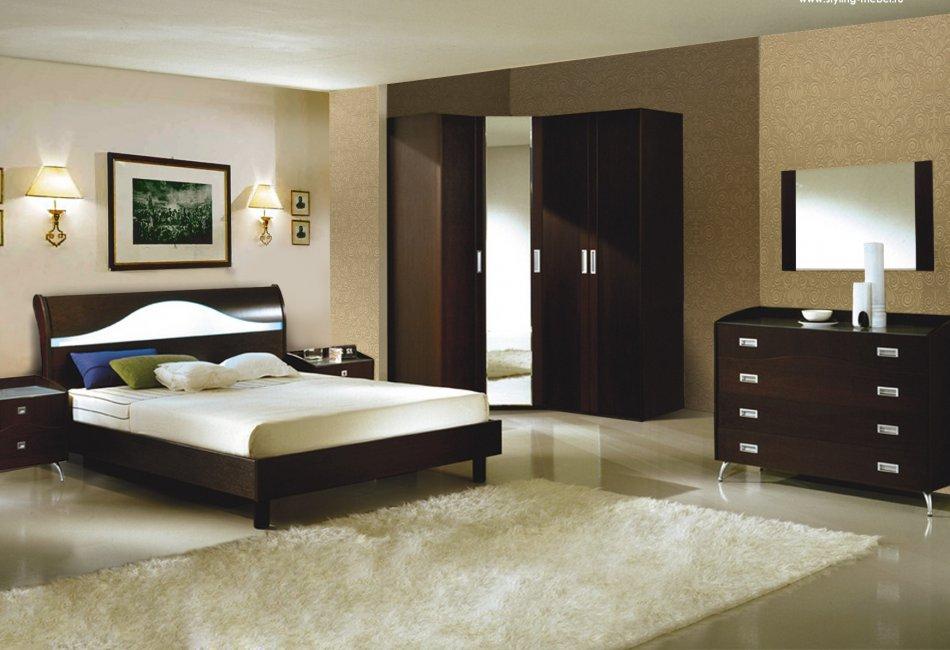 Расположение кровати в противоположной стороне от двери