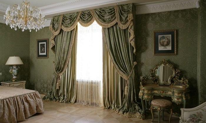 Тяжелые шторы с бахромой