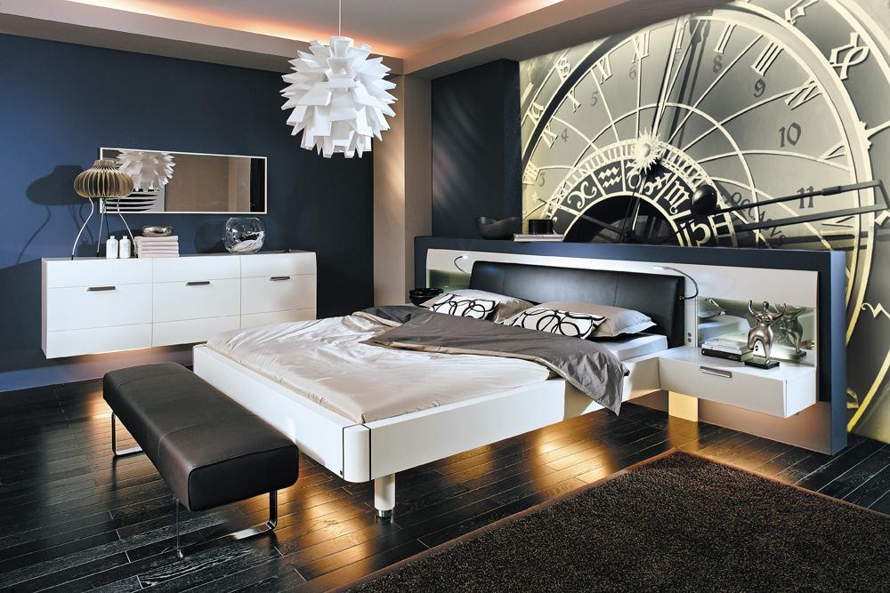 Спальня с оригинальным оформлением