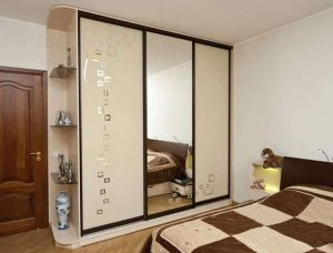 Шкаф купе для маленькой спальни