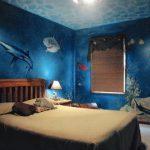 Алернативный вариант использования аквариума в спальне