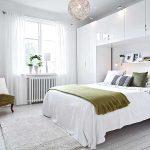 Белая спальня в интерьере