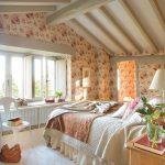 Черты кантри стиля, созданные в спальне