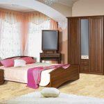 Дизайн спальни с полами из ламината
