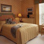 Домашний интьерьер спальни в стиле кантри