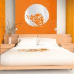 Экстравагантный стиль спальни в оранжевом цвете