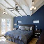Интерьер синей спальни