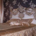 Изящная спальня в стиле ренессанс