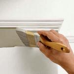 Как красить стены с помощью кисточки в доме