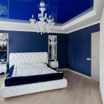 Классический интерьер синей спальний