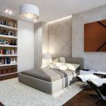 Книжные встроенные полки в спальне