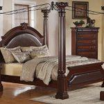 Красивая спальня в старинном стиле ренессанс