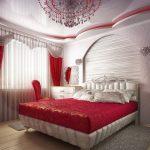 Красная яркая спальная с белыми деталями