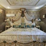 Красота и богатство стиля барокко в спальне