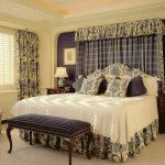 Мягкий и приятный интерьер спальни в стиле кантри