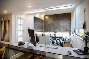 Спальня с хорошим зенитным фонрём