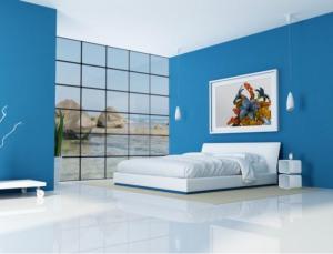 Очень хорошо освещённая спальня