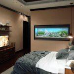 Небольшой аквариум в спальне