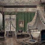 Необычный вариант стиля ренессанс для спальни