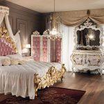 Оформленная спальня в стиле барокко