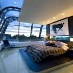 Оригинальная спальня, выполненная в стиле хай-тек