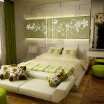 Оригинальная зеленая спальня