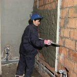 Особенности оштукатуривания стен в доме