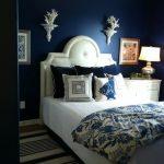 Особенности синей спальни
