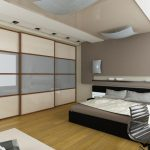 Практичная раздвижная перегородка для оформления интерьера спальни