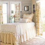 Практичные и красивые аксессуары в интерьере спальни