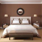 Простой интерьер коричневой спальни