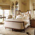 Раскошная спальня в стиле ренессанс