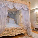 Раскошный интерьер спальни барокко