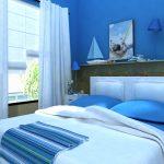 Синяя спальня придает уют