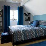 Синяя спальня с серыми деталями