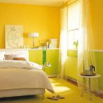 Сочная спальня в желтом цвете