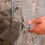 Советы как штукатурить стены в помещении