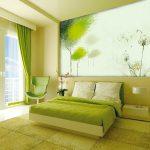 Современный интерьер спальни в зеленых цветах