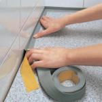 Современный плинтус для организации отделки в спальне